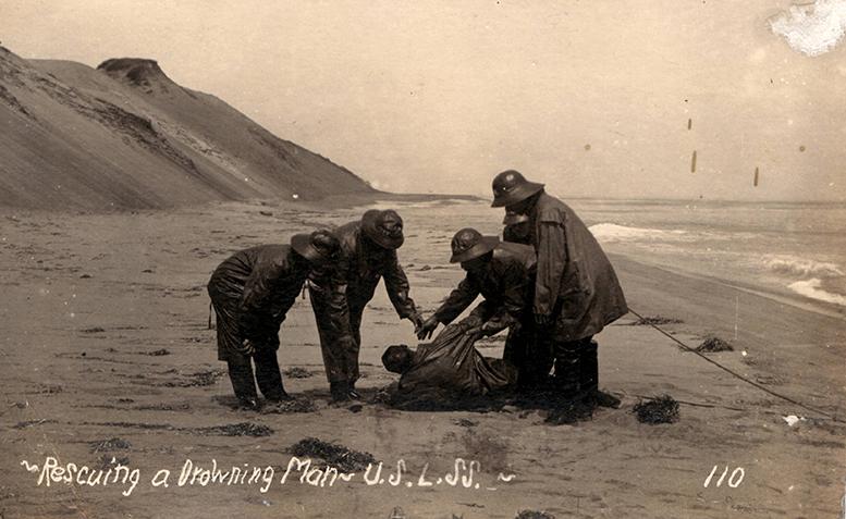 USLSSHA-fridays-rescuing-a-drowning-man-resuccitation-drill-master